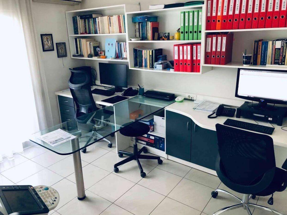 Γραφεία-Θεσ4